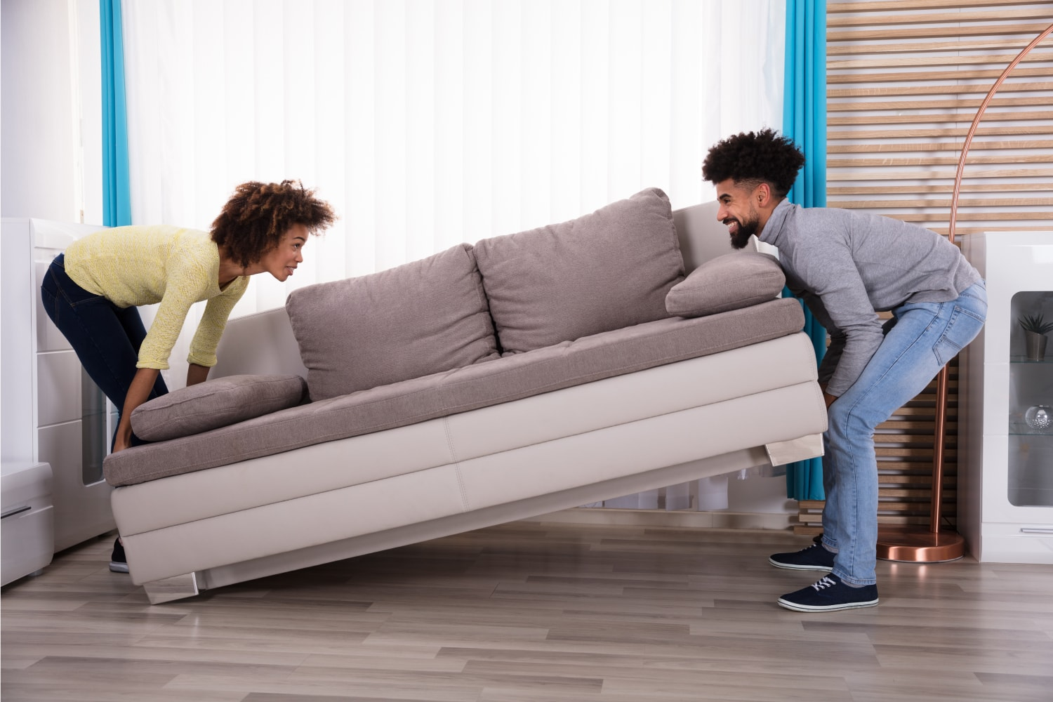 buy-furniture-online-couple-min