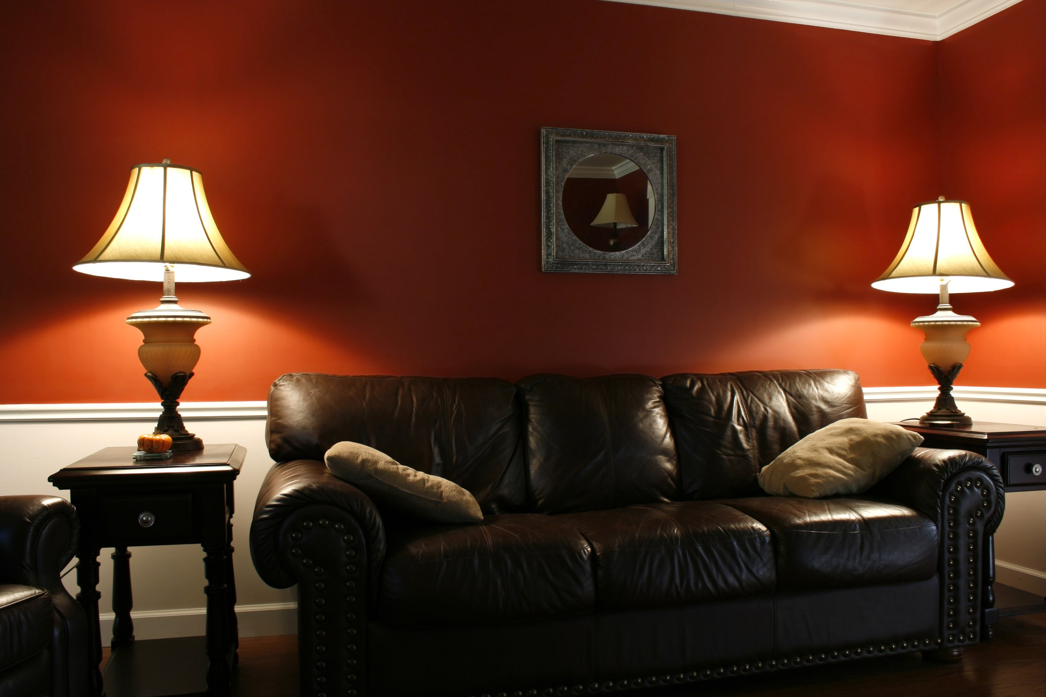 furniture-specials-couch-lamps-min